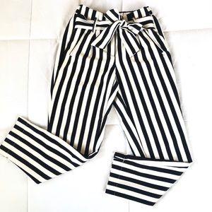 Sexy striped pants 🖤